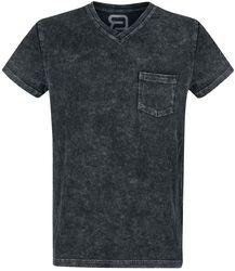 T-shirt with washing
