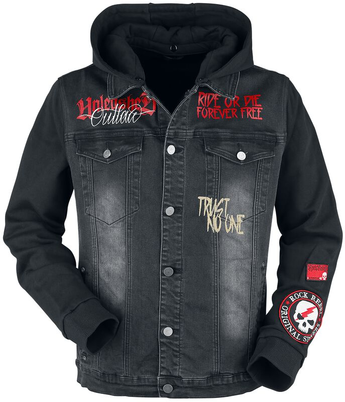 Between-seasons jacket with patches and prints