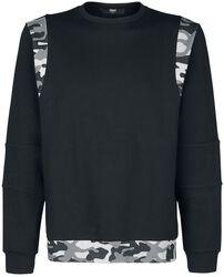 Sweatshirt with camouflage details